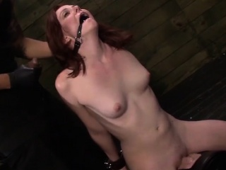 strapped emma pussy gets hard fuck by thick hard cock