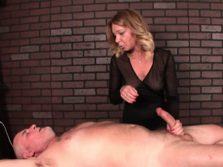 pornstar harley summers massaging subs cock