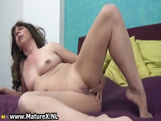 experienced mature lady loves fucking