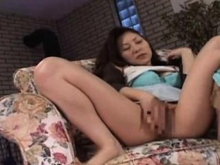 japans milf masturbatie solo