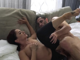 brunette beauty sheena is the master of cock sucking skill