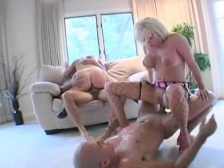 isabella sopra and jamie brooks in a foursome