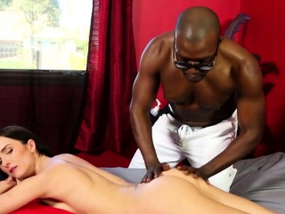 bianca breeze gives bbc great massage