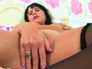 next door milfs from the uk lou leia and raven