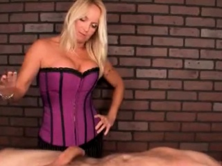 two milfs give great cock massage