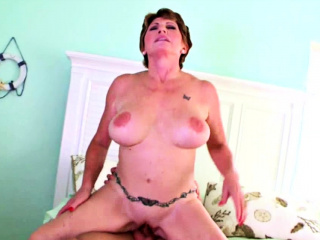 mature woman loves thick and big dicks