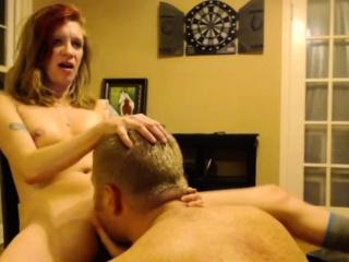 amateur milf camgirl gets cunnilingus on webcam