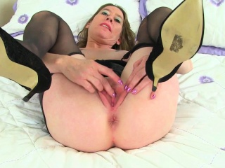 english mums in tights michelle sammie and sexyp