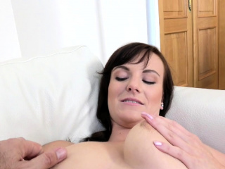fake agent 28yr old amateur nice natural tits