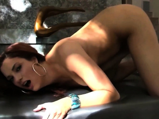 let your eyes enjoy the sexiness of jayden cole