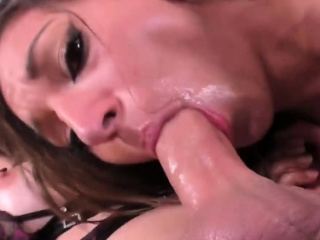 ts chelsea marie is eager to fuck a girl