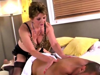 mature slut with big tits gets fucked