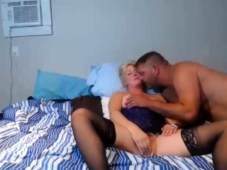 amateur blonde mature fingering her awesome fuzzy wuzzy