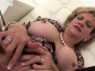 unfaithful british mature lady sonia flaunts her35pyc
