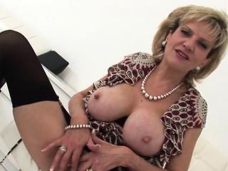 cheating british mature lady sonia presents her big balloons
