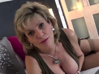 unfaithful british mature lady sonia displays her huge natur