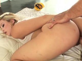natural tits pornstar sucking dick with cumshot