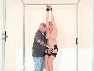 unfaithful british mature lady sonia exposes her huge boobie
