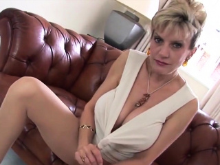 adulterous british mature lady sonia pops out her huge puppi