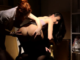 office babe fingered and pussylicked