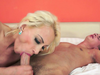 european gilf riding and blowing dick