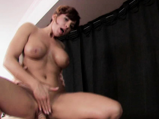 naughty masseuse gets fucked by her client