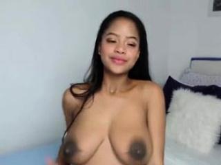 pregnant ebony latina fingers her pussy