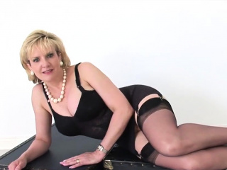 unfaithful english mature lady sonia exposes her giant hoote