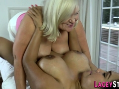 Brit granny masseuse oils up