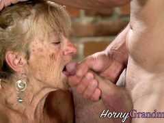 Old hag gets facial while sucking