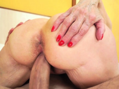 Old lady takes warm cumshot