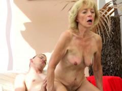 Old granny slut gets creampied