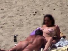 Voyeur Sees All At The Beach