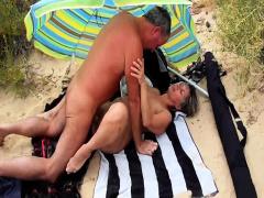 amateur beach cuckold public