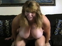 Amateur couple big boobs girl fuck on cam.
