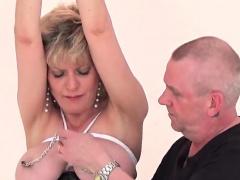 Cheating british mature lady sonia unveils her huge tits66Su