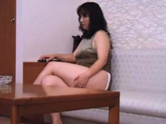 Mature Japanese lady farts