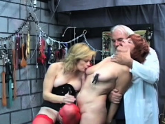 Sassy sweetheart enjoys lever in her muff