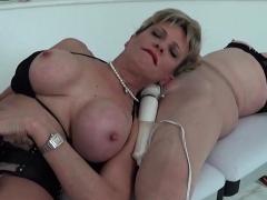 Adulterous british milf lady sonia reveals her massive ballo